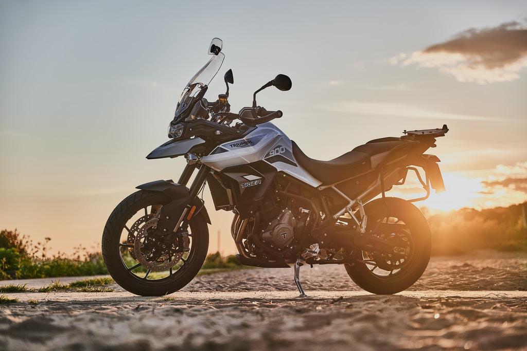 jak wybrać kask na motocykl samochodowo